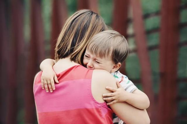 孩子被老人宠坏的几个表现,父母做好四点,让娃回归正轨