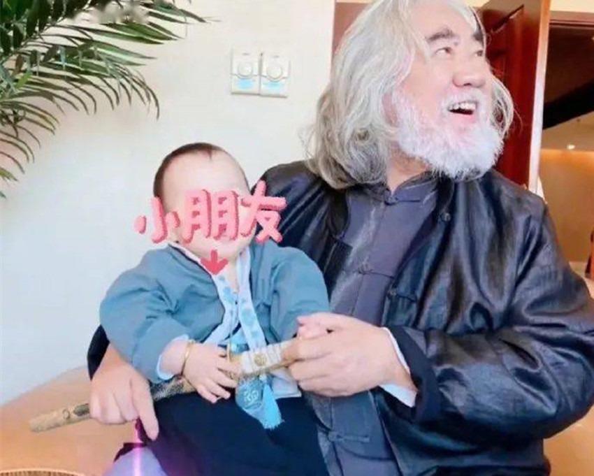 沈阳代孕官网:[为什么2胎一直怀不上]69岁张纪中