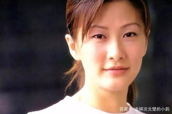 伏明霞为嫁给老头与父母断绝关系,如今42岁要第四胎
