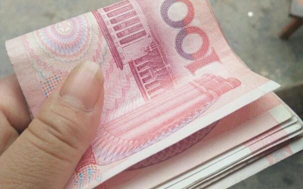 給舅舅打工,別人一天150,我120,杭州的舅舅︰你工資比他們高