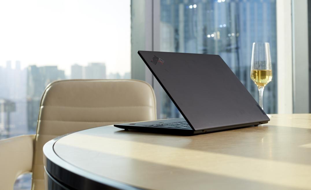 仅重907克 ThinkPad史上最轻笔记本电脑X1 Nano发布