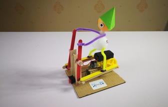 廢物利用制作奔跑的運動員電動玩具