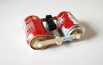 廢棄易拉罐制作一臺壓路機玩具車
