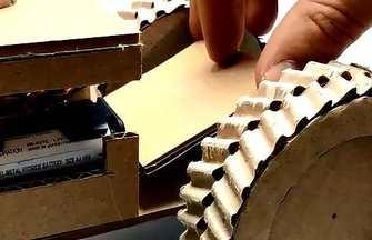 教大家用紙板制作電動拖拉機