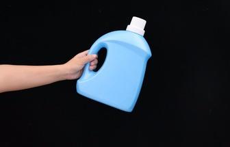 廢洗衣液瓶子DIY帶提手的垃圾鏟