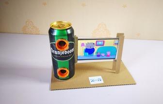 廢棄易拉罐做自帶擴音效果的手機支架