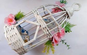 利用舊報紙編織一個紙藝鳥籠