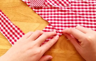 过时的衬衣DIY做成围裙教程