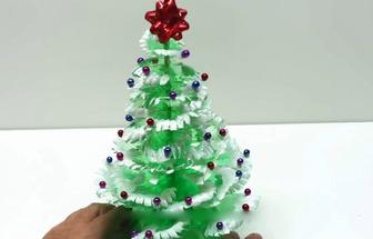 教你用塑料瓶制作簡單的圣誕樹