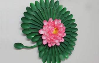 塑料一次性勺子DIY漂亮的荷花墻掛