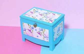 廢舊紙板加工成漂亮的首飾收納盒