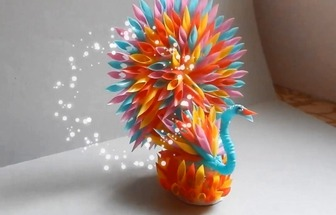 如何使用廢吸管DIY漂亮的孔雀擺件