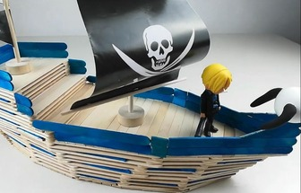 利用冰棍棒DIY海盜船模型
