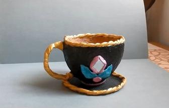 利用椰子殼DIY茶杯狀花盆