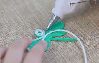 如何利用廢拉鏈制作蜻蜓胸針