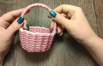 教你利用報紙編織一個漂亮小籃子