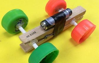 用瓶蓋制作電動四輪玩具車