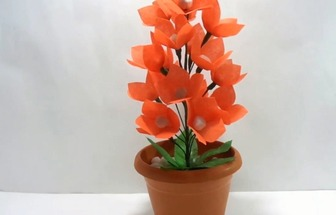 教你用布袋DIY一個漂亮的紅花卉盆栽