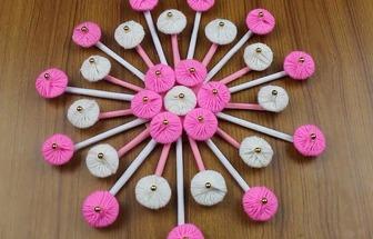 教你用舊紙板和毛線DIY一個漂亮的花藝裝飾
