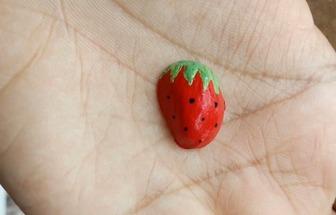 簡單的手繪草莓開心果