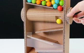 怎樣用紙板做一個簡單的轉筒糖果機