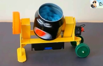 用易拉罐制作成模擬攪拌機