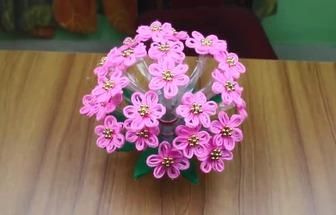 怎么用寶特瓶和毛線做好看的花藝裝飾