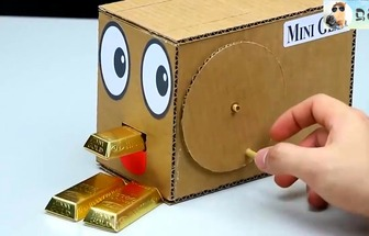 用紙板DIY巧克力黃金自動售貨機