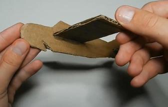 怎么用廢紙板做一架復古轟炸機
