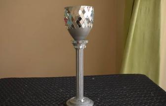 利用廢報紙DIY銀色高腳花瓶