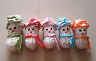 花生殼手工DIY變成有趣的雪人擺件