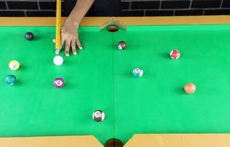 教大家在家中用紙板自制臺球玩具