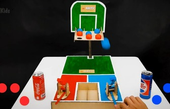 用紙板做好玩的自動投籃器機