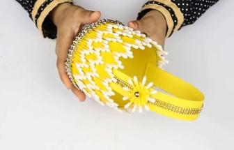用塑料瓶和棉签棒DIY有趣的纸艺小提篮