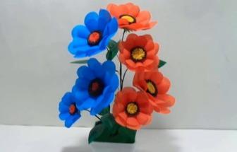 用彩色購物袋DIY好看的花藝盆栽