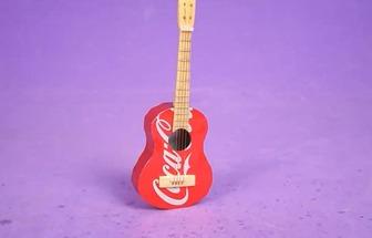 手工用易拉罐制作吉他