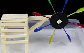 一次性用品DIY迷你水车模型