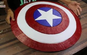 用紙板制作美國隊長盾牌