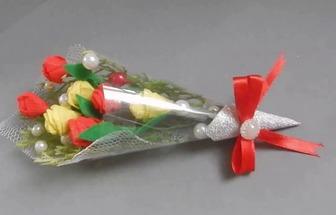 教你用購物布袋DIY好看的鮮花花束
