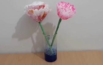 用衛生紙和彩紙做出好看的紙花朵
