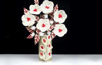 用麻布和卷紙筒DIY好看的花藝擺件