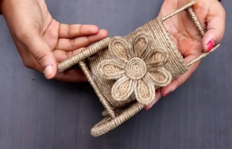 手工DIY做美麗的花車擺件