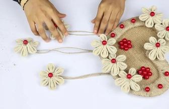 用紙板和麻繩DIY漂亮的壁掛心形