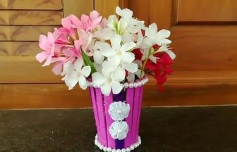 使用棒冰棍子做的簡易小花瓶