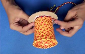如何用一次性杯子DIY簡易筆筒