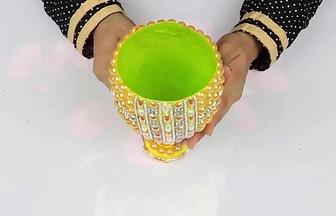 塑料桶改造亮珠金杯花瓶