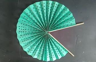 教你用彩紙DIY折紙圓扇