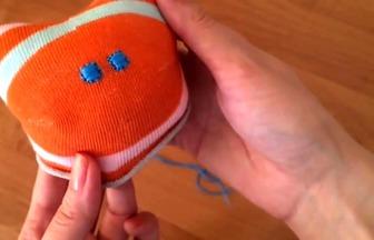 教你用襪子DIY可愛的小貓布偶