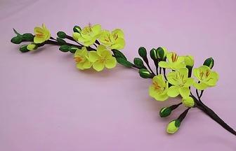 用皺紋紙折一枝臘梅花