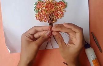 用衍紙手工藝做一張花樹拼貼畫